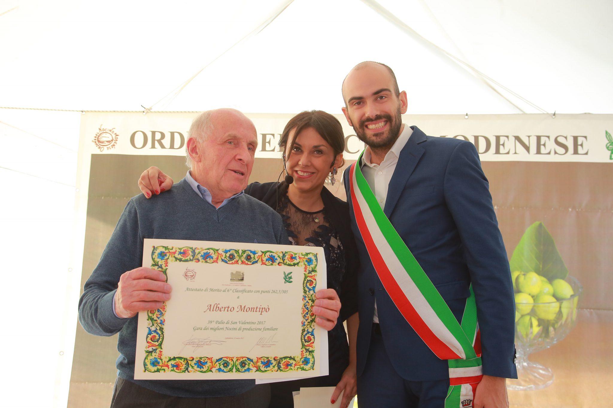6° Classificato: Alberto Montipò, ritira l'Alfiere Galli